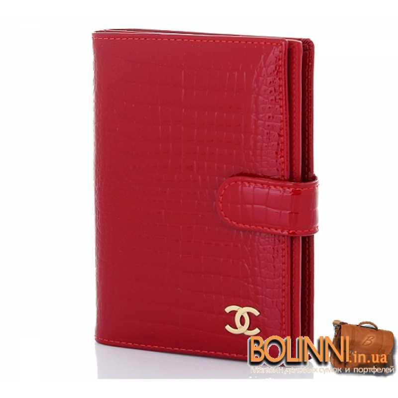 66b7cfe305a1 Женская кожаная обложка для прав и паспорта CHANEL
